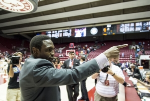 Tide basketball team begins critical stretch with contest against No. 15/13 Aggies (via Crimson Magazine)