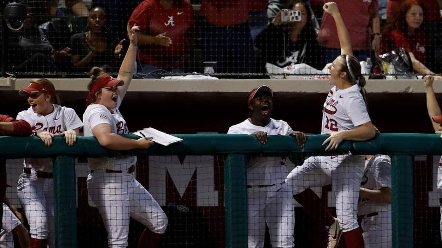 Alabama Softball Ranked No. 15 and 16 in Weekly National Polls