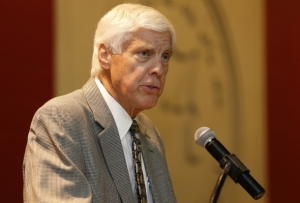 Alabama AD Bill Battle to Undergo Stem Cell Treatment for Multiple Myeloma